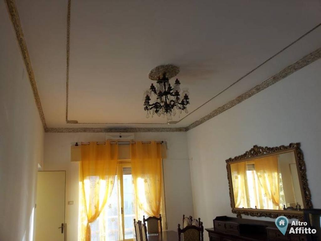 Appartamento quadrilocale a palermo in via arianna di for Affitti palermo